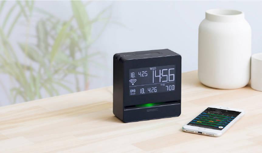 音声で予定をお知らせ。Googleカレンダーにも対応するデジタル時計|KINGJIM