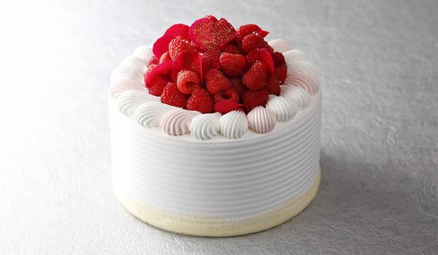 ピエール・エルメ・パリとコラボレーションしたクリスマスケーキ|HOTEL NEW OTANI