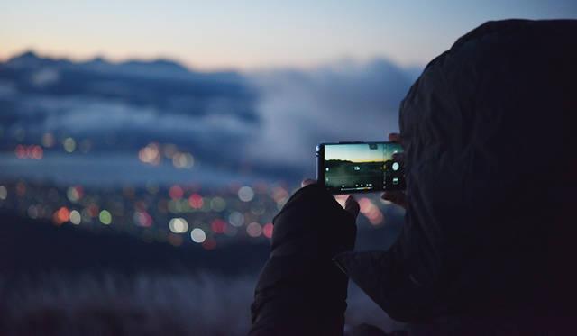 未来を先駆けるスマートフォン|HUAWEI Mate 20 Pro