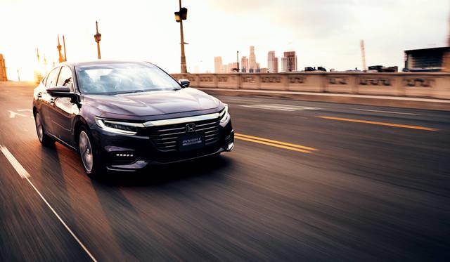 ミドルセダンになった3代目インサイト登場|Honda