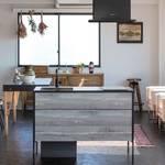 現代のライフスタイルに応える、デザイン性の高いコンパクトキッチン|sanwacompany
