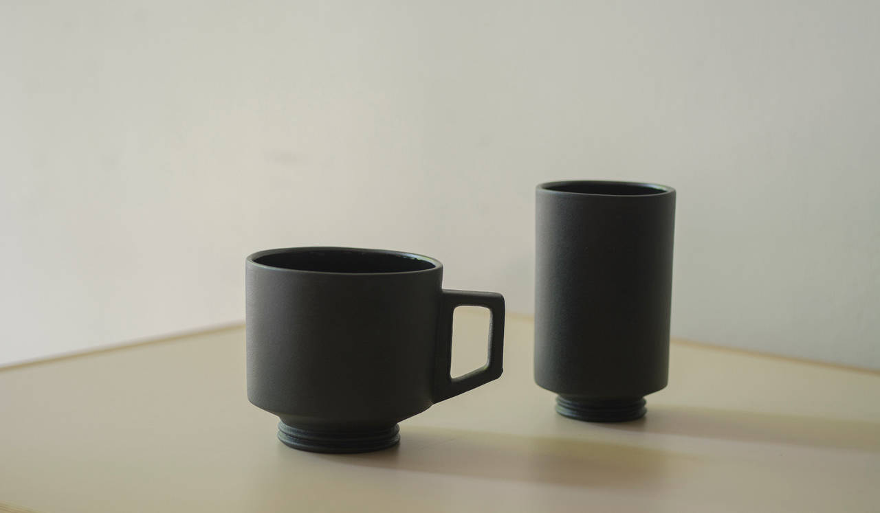 ミシガン州在住の陶芸作家に制作を依頼。マグカップとタンブラーが完成|Playmountain