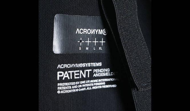 デザインと機能の服 ACRONYM(アクロニウム)