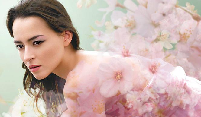 SUQQU|スック』の2009春夏コレクション「桜春影(SAKURAKAGE)」