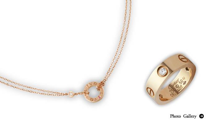 Cartier きらめくホリデイシーズン、カルティエの「LOVE」を纏って