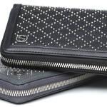GUCCI|長財布を手持ちで颯爽と!