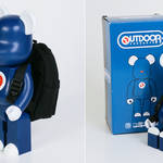 OUTDOOR PRODUCTS 定番デイパックを背負った400%サイズBE@RBRICK限定販売