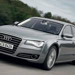 アウディA8、エンジンをダウンサイジングするも出力大幅アップ|Audi