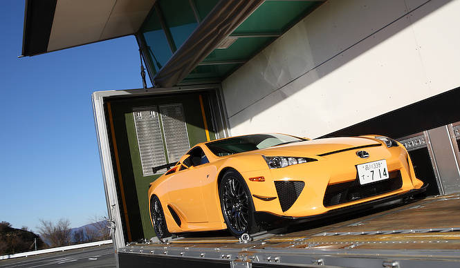 F Sportの原点 レクサスLFA Nurburgring Package|Lexus