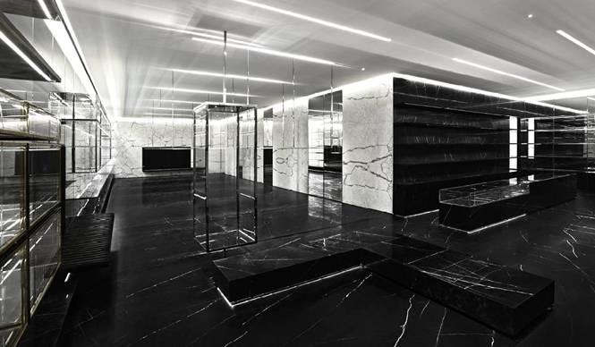 SAINT LAURENT|新クリエイティブ・ディレクター、エディ・スリマンが手がける新ストア