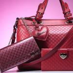 GUCCI|ロマンティックな季節を彩る新作バッグ&ウォレット
