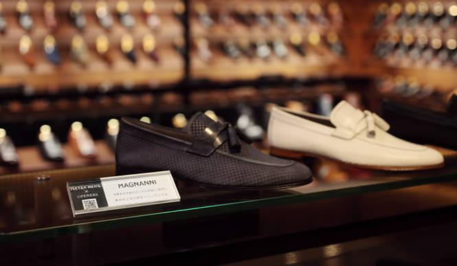 ISETAN MEN'S 伊勢丹新宿店メンズ館 靴売場の「QRコード」でOPENERS記事にアクセス