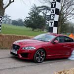 ジャガー最速のサルーン XFR-Sがヒルクライムを披露|Jaguar