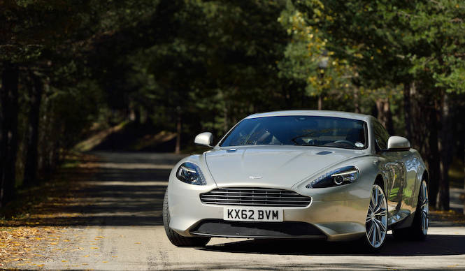 アストンマーティンDB9が代官山T-SITEに登場 Aston Martin