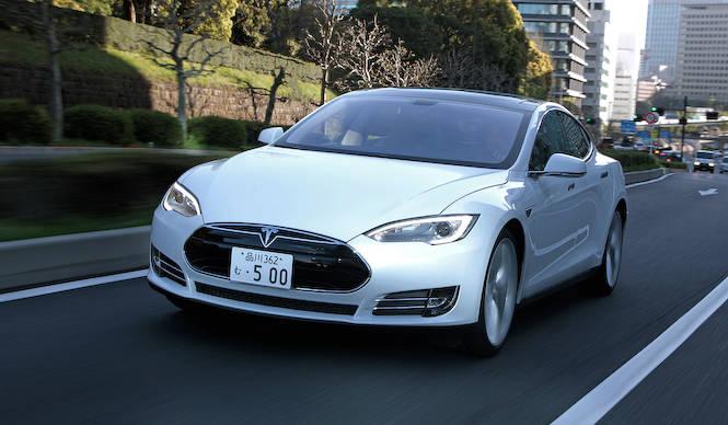 テスラ モデルSを日本で早速テストドライブ|Tesla