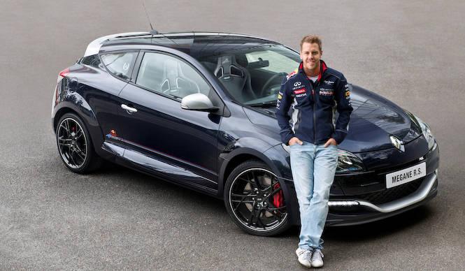 メガーヌRSにレッドブルレーシングバージョンが登場!|Renault