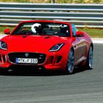 英国車のいま 第1回 ジャガーは立ち止まらない!|Jaguar