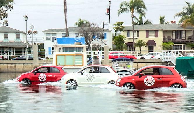 水上用フィアット500あらわる|Fiat