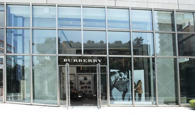 BURBERRY|国内4店舗目にして最大級の旗艦店「バーバリー 六本木」に潜入!