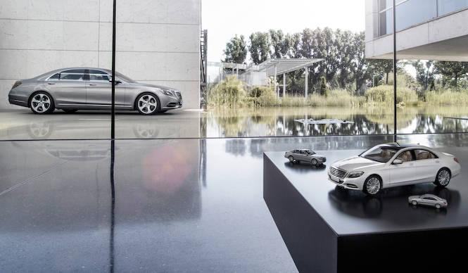 SクラスのミニカーはミニカーのSクラスだ|Mercedes-Benz