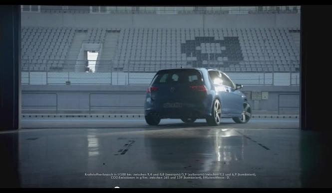 新型ゴルフRでWRCドライバーがサーキットを走行|Volkswagen