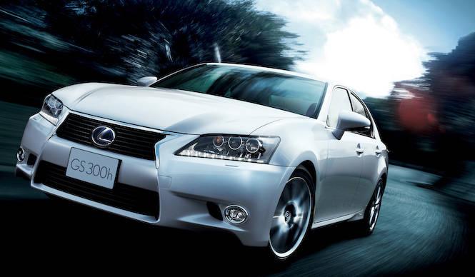 4気筒+モーターのハイブリッドモデル「GS300h」誕生|Lexus