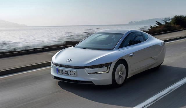 プラグインハイブリッド「XL1」などを日本初披露|Volkswagen