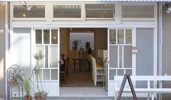 cafe&gallery|谷中近くの銭湯前にグリーンなカフェオープン