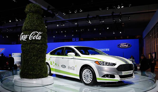 フォード フュージョン エナジーを初公開|Ford