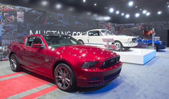新型マスタング発表のカウントダウンイベント開催 Ford