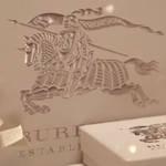 BURBERRY クリスマスギフトのコレクションが全国14店舗で登場