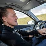 シューマッハーが新型Cクラスをリポート|Mercedes-Benz