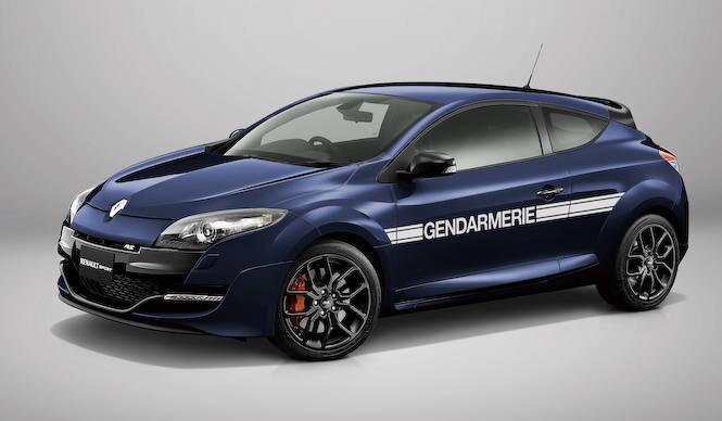 フランス高速道路警備隊をモデルにした限定車|Renault
