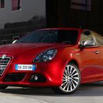 特別な赤をまとうジュリエッタ|Alfa Romeo