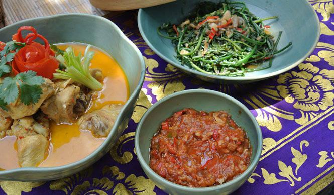 Amanresorts 「アマンダリ(Amandari)」で伝統料理にチャレンジ