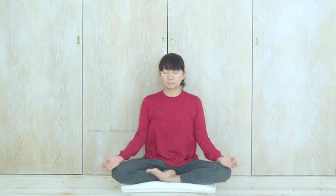 連載・藤原美智子 2014年1月|瞑想は大いなるアンチエイジング!?