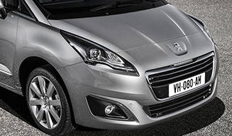 7シーターのミニバン「5008」フェイスリフト|Peugeot