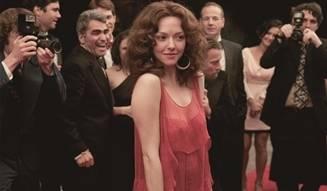 MOVIE|伝説のポルノ女優の光と影を描く『ラヴレース』