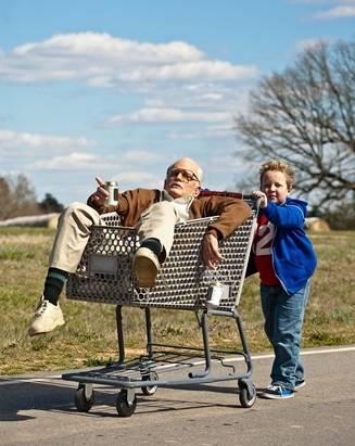 MOVIE|人気コメディが映画化『ジャッカス/クソジジイのアメリカン横断チン道中』