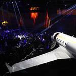 MICHAEL KORS|飛行機格納庫でファッションショー!? イベント「ジェット セット エクスペリエンス」開催
