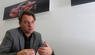 ローレンス・ヴァン・デン・アッカー氏にインタビュー|Renault