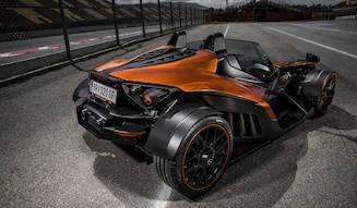 オートバイメーカーが開発したスポーツカー、X-BOW GTに試乗|KTM