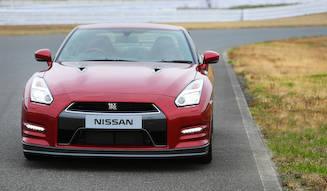 あらたなる価値を得た日産GT-R 2014年モデルに試乗|Nissan