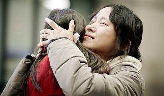 MOVIE|麻薬の密輸犯容疑をかけられた主婦の異国での闘い『マルティニークからの祈り』