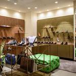 HANKYU MEN'S TOKYO|地下1階に「ジョン ロブ」「サントーニ」オープン
