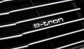 プラグインハイブリッドのアウディA3 e-tronを試す|Audi