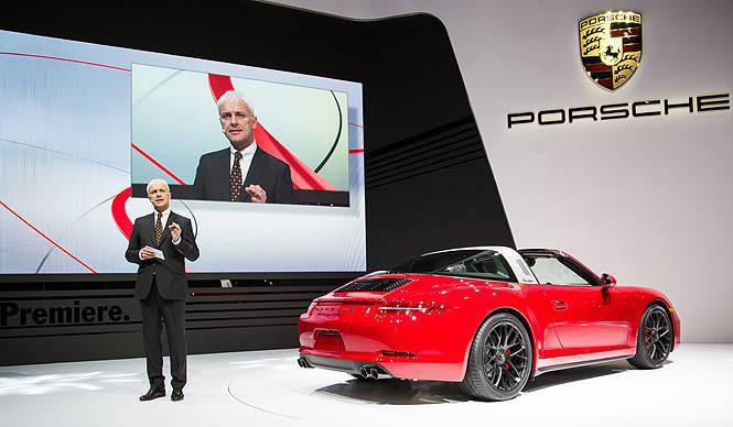 ポルシェ、タルガ50周年記念モデル「911 タルガ4 GTS」と「カイエン ターボS」 を発表 Porsche
