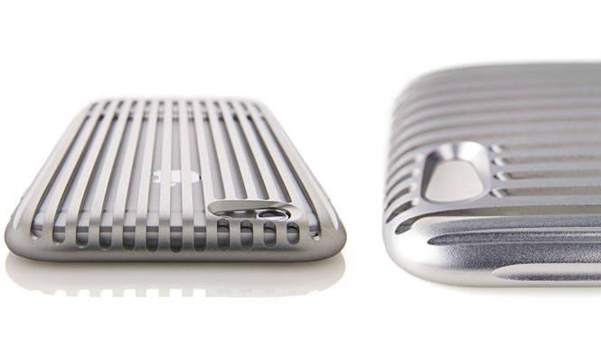 15万円(税抜)のジュラルミン製iPhone6ケース「The Slit」|SQUAIR