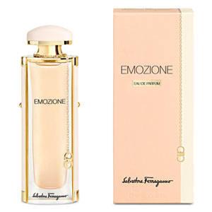 モデル、マルゴシア・ベラの人生が投影されるような美しい香り「EMOZIONE」|Salvatore Ferragamo
