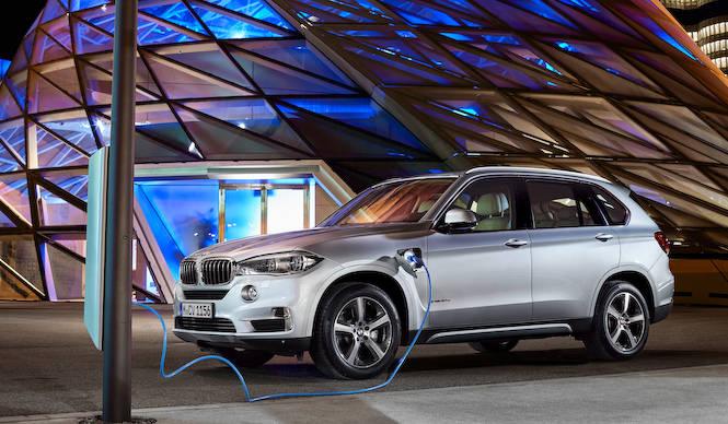BMW X5にプラグインハイブリッドモデルを追加|BMW